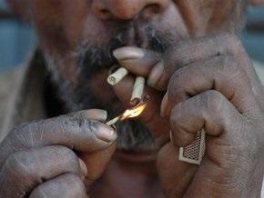 В Кыргызстане запретили курить в подъездах