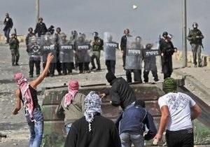 В ходе беспорядков в Иерусалиме ранены около ста палестинцев