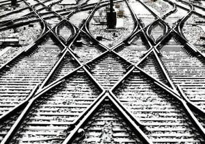 Товарный поезд сбил мужчину в Черниговской области