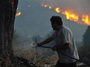 Ветер раздул новые лесные пожары в Греции