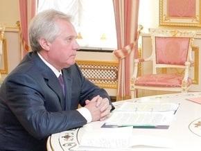 Ющенко потребовал от Медведько жесткости в ситуации с ЦИКом, Проминвестбанком и судами
