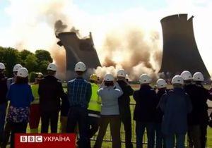 У Британії знищили п ять веж електростанції