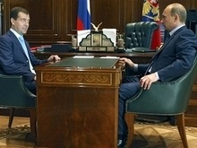 Опрос: Россияне не верят в самостоятельность Медведева