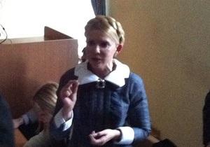 Тимошенко начала выступать на судебных дебатах