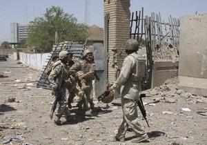 Иракский военный убил двух и ранил девять американских солдатов