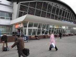 В Борисполе задержали иностранку, которая пыталась вывезти из Украины младенца