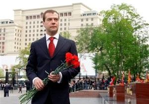Медведев распорядился провести 9 мая парад в Севастополе