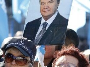 Опрос: В ближайшее воскресенье Янукович смог бы стать президентом