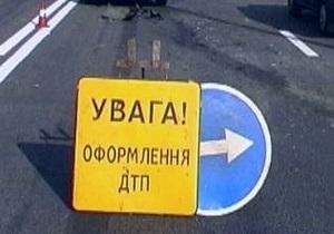 В Киевской области столкнулись грузовик и легковой автомобиль, три человека погибли