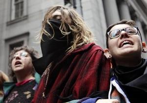 Колесниченко предлагает штрафовать участников акций протеста за маски на лицах