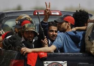 Повстанцы достигли центра столицы Ливии - ТВ