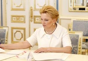 Богатырева за месяц получает большую пенсию, чем жена Януковича за год