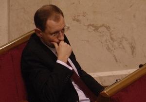 Партия Яценюка обвинила Гриценко во лжи и посоветовала ему обратиться к жене
