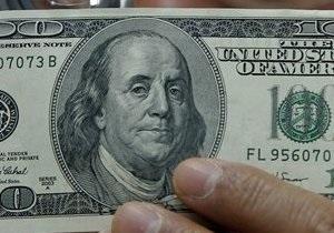 Доллар медленно снижается на межбанке