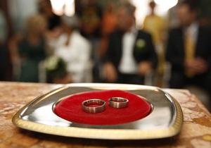 Мэр Ниццы запретил горожанам устраивать шумные свадьбы