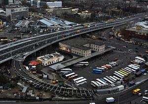 Центральный автовокзал в Киеве не работал около часа из-за сообщения о заминировании