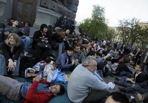 Шестой день  народных гуляний  в Москве: оппозиция требует временного правительства