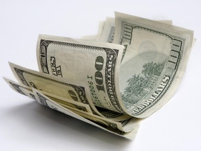 Дешевые доллары НБУ так и не попали на наличный рынок