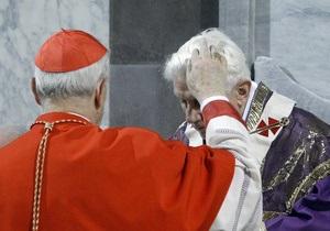 Словацкий кардинал посыпал пеплом голову Папы Римского