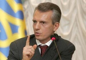 Хорошковский считает, что курс гривны формируется рыночными методами