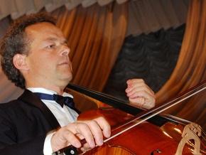 На берегу Азовского моря выступит известный французский виолончелист