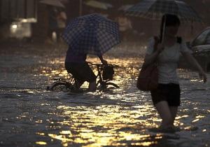 В Японии из-за сильных ливней эвакуируют сотни тысяч жителей