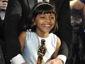 Отец 9-летней звезды фильма Миллионер из трущоб согласился продать ее