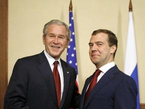 Буш и Медведев обменялись комплиментами