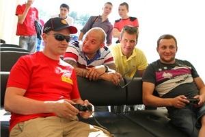 Компания  Шелл  провела чемпионат видеоигр Shell Helix Racing