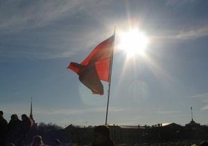 Вывешивание красного флага в День Победы может стать обязательным