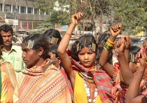 Индийское племя просит режиссера Аватара о спасении
