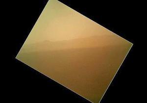 NASA опубликовало первый цветной снимок Марса