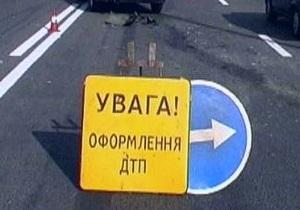 В Харькове маршрутка врезалась в троллейбус