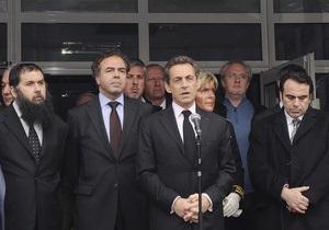 В Тулузе предполагаемый убийца военных и детей окружен спецназом, но пока не сдался