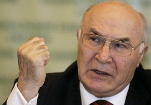 Администрация Януковича: Стельмах пока может занимать должность главы НБУ