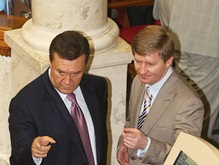 Янукович убежден, что Ахметов не уйдет в партию Балоги