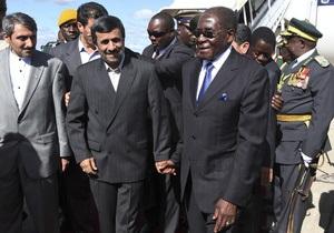 Ахмадинеджад приехал в гости к Мугабе