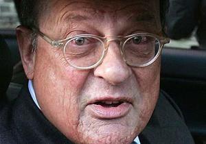 Суд отменил приговор адвокату Берлускони