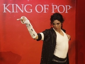В музее мадам Тюссо появился тринадцатый Майкл Джексон