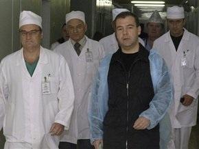 Медведев потребовал от врачей вернуть тяжелораненого президента Ингушетии  в строй