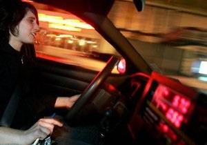 Новости США - Водителям хотят запретить пользоваться тачскринами