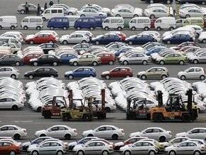 Продажи легковых авто в Украине сократились более чем в три раза