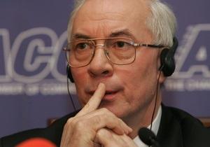 Азаров заявил, что Украина не сможет сама поднять авиапром