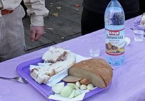 В Житомирской области во время проводов в армию произошло массовое отравление