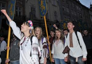 Фотогалерея: Сталин – не стильный! Парад вышиванок во Львове