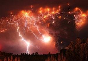 В Новой Зеландии начал извергаться вулкан