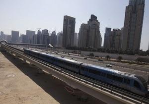 Колесников в Дубаи изучает опыт строительства наземного метро