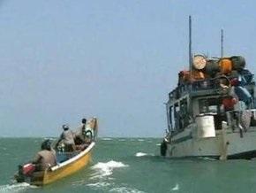 Сомалийские пираты требуют $2 млн за йеменское судно