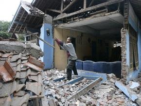 Количество жертв землетрясения в Индонезии достигло 57 человек