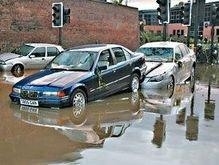 Угроза наводнения в Великобритании и Италии: объявлено ЧП
